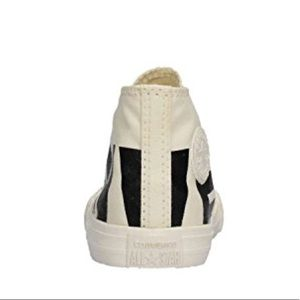 Converse Shoes - NWT   NIB Youth Chuck Taylor s 7d839e4d8